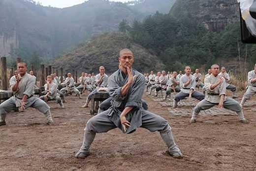 monaci shaolin allenamento
