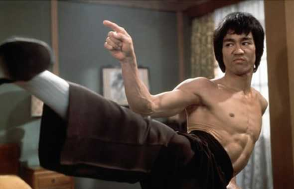 bruce lee calcio laterale