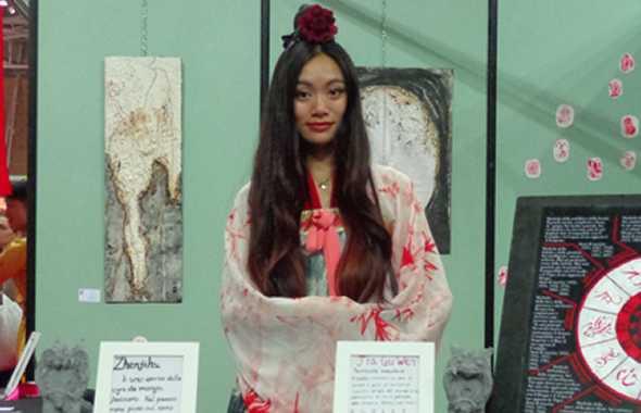 ragazza giapponese al festival dell'Oriente