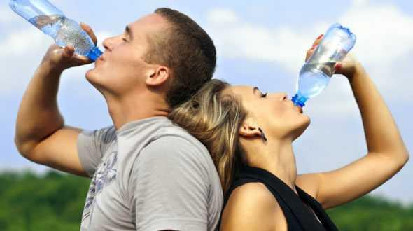 allenamento bere acqua