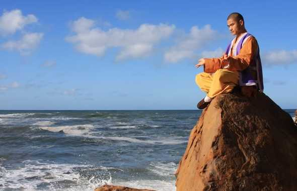 monaco meditazione mare