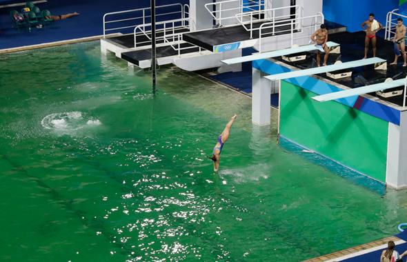 olimpiadi rio 2016 piscina verde